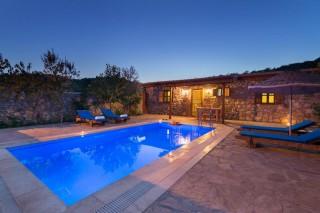 2 bedroom stone build villa for rent in kayakoy
