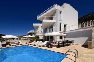 5 bedroom luxury villa rental in kalkan with infinity pool