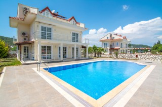 Villa Naz, 6 Bedroom Villa With Large Pool İn Hisaronu