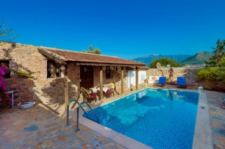 1 Bedroom Honeymoon Villa in Kayaköy with secluded pool