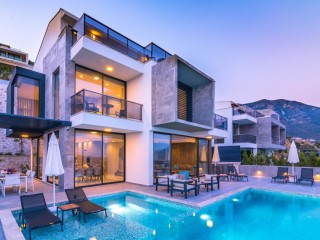4 bedroom luxur villa in Kalkan with private pool and sea views