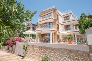 4 bedroom luxury villa in Kalkan with private pool and sea views