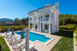 4 bedroom villa with private swimming pool in Hisaronu