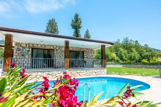 3 bedroom villa in Gocek with private pool and garden, sleeps 6