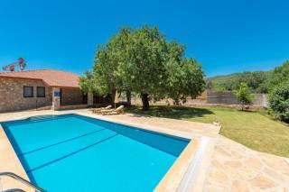 Villa Artemis is 3 bedroom villa in Kayakoy with secluded pool.