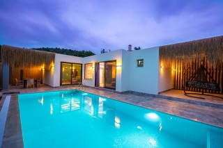 1 bedroom luxury honeymoon villa with secluded pool in Kayakoy.