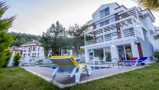 4 bedroom villa in Hisaronu sleeps 8 people with private pool